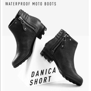 SOREL Black Leather Danica Short Bootie waterproof